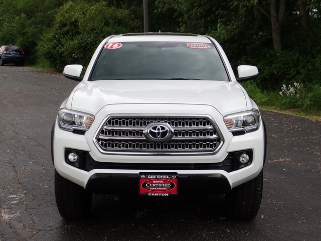 Certified Pre Owned 2016 Toyota Tacoma Trd Offroad 4d Double Cab In North Canton 827419 1 Cain