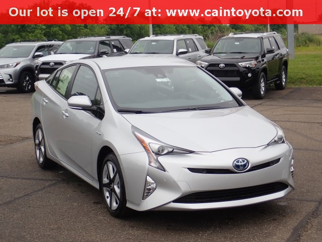 New 2018 Toyota Prius Four Touring