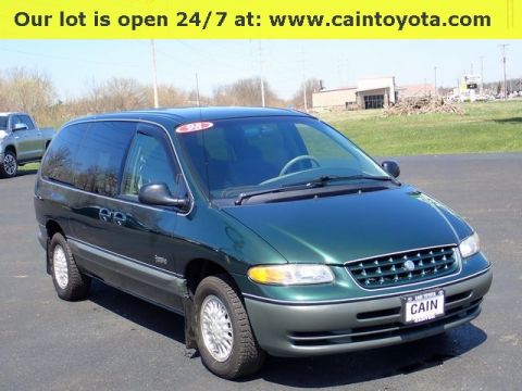 Pre-Owned 1998 Plymouth Grand Voyager Expresso