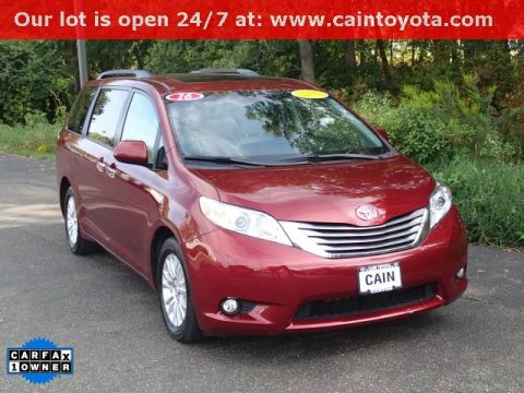 Pre-Owned 2016 Toyota Sienna XLE FWD 4D Passenger Van